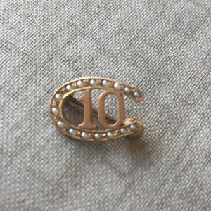 10K gold Vintage Horseshoe Pin Pearls Horse Racing